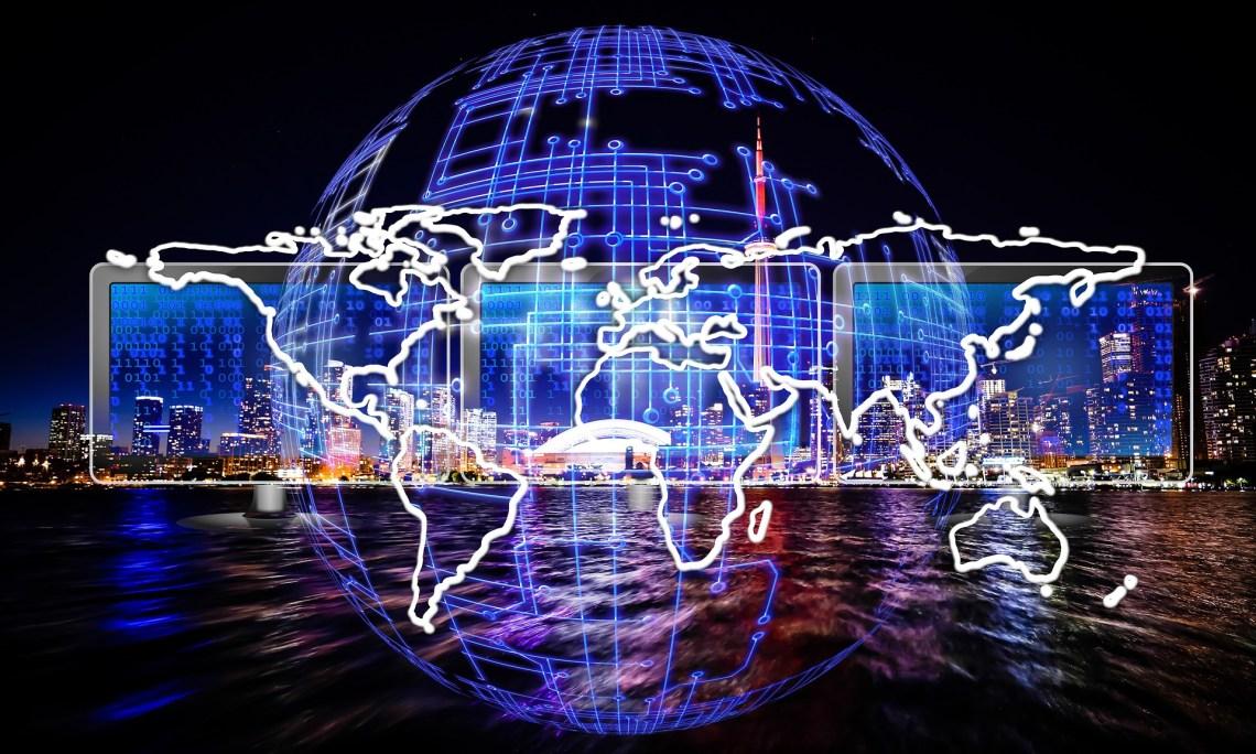 Meer, Weltkugel, Bildschirme, Landkarte: Alles ist durcheinander.