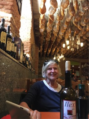 Restaurant Cerveceria - note the ceiling adornment.