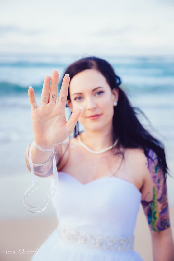 RachaelAdamFroggyBeachCoolangattaWedding-AnnaOsetroff-Highlights-Small-93