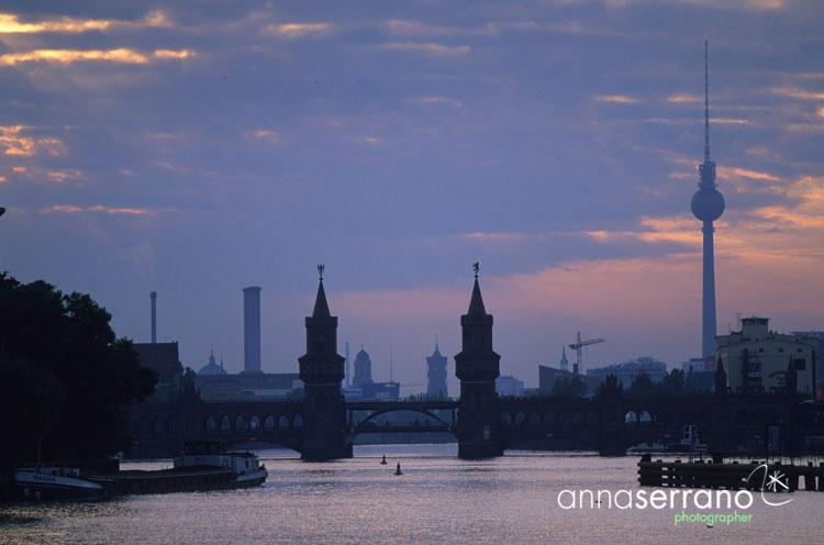 Berlin - Il ponte di Kreuzeberg visto da Friedrichschain