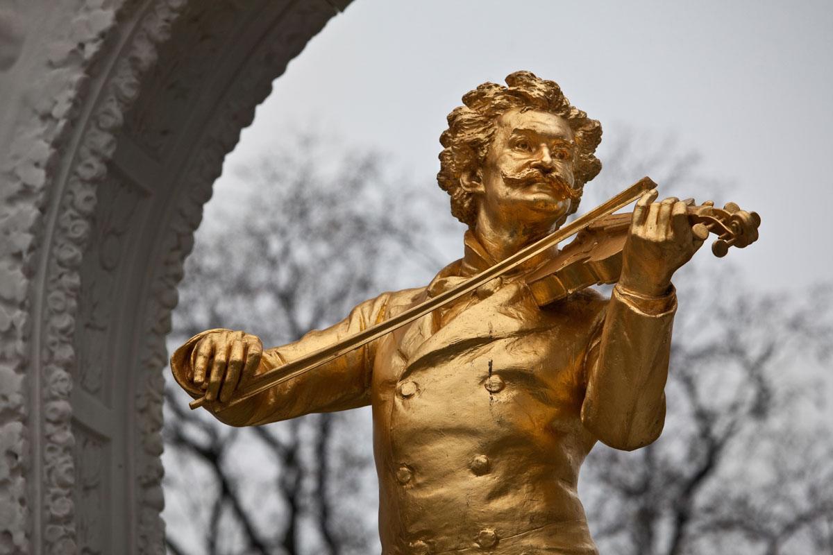 Austria, Vienna, Stadtpark, Strauss sculpture