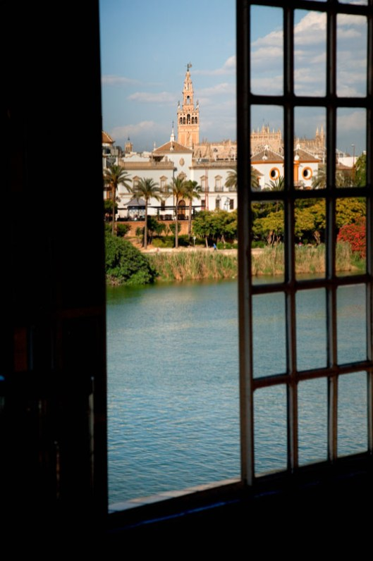 Spain, Andalusia, Sevilla, the Girlalda and the Guadalquivir river seen from Triana district