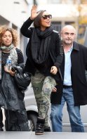 Alicia-Keys-grey-ant-the-foundry-sunglasses-Elizabeth-and-James-Camo-print-zip-Cooper-Jeans-Isabel-Marant-Bekket-Black-Sneakers-upscalehype-3
