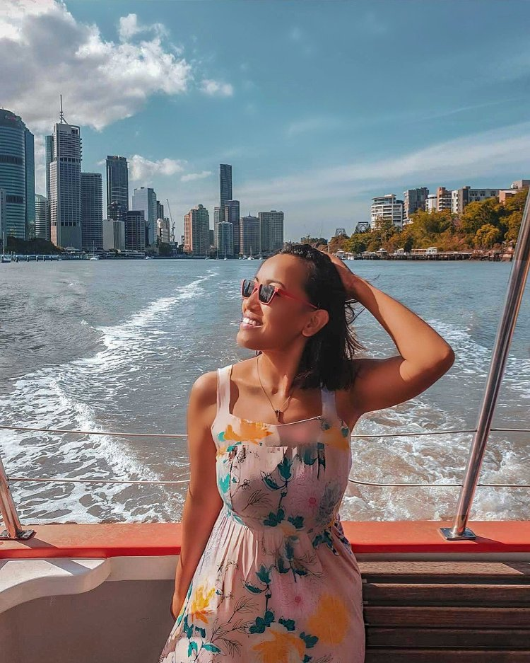 solo female traveler brisbane