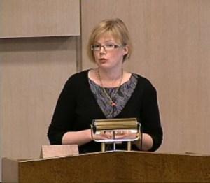 Anna Starbrink (FP) i talarstolen