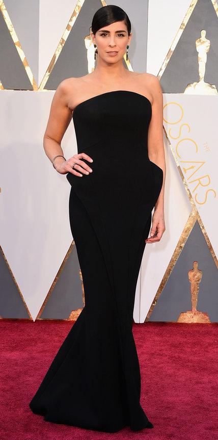 Sarah Silverman, abito lungo nero