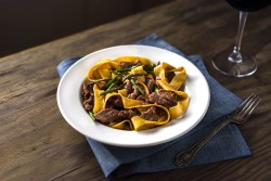 Stir-Fry Beef Pappardelle