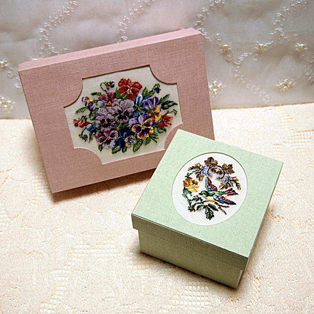 petit-point-box