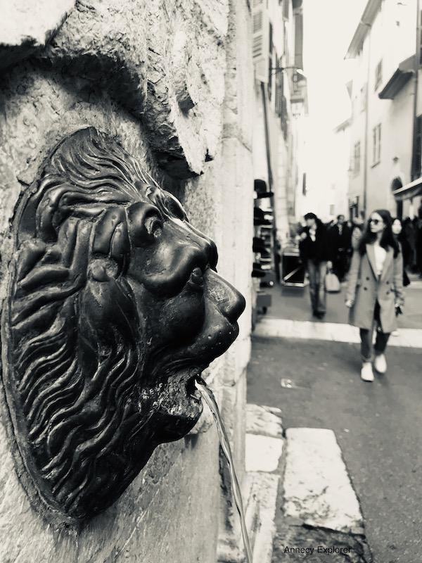 Fontaine à Annecy