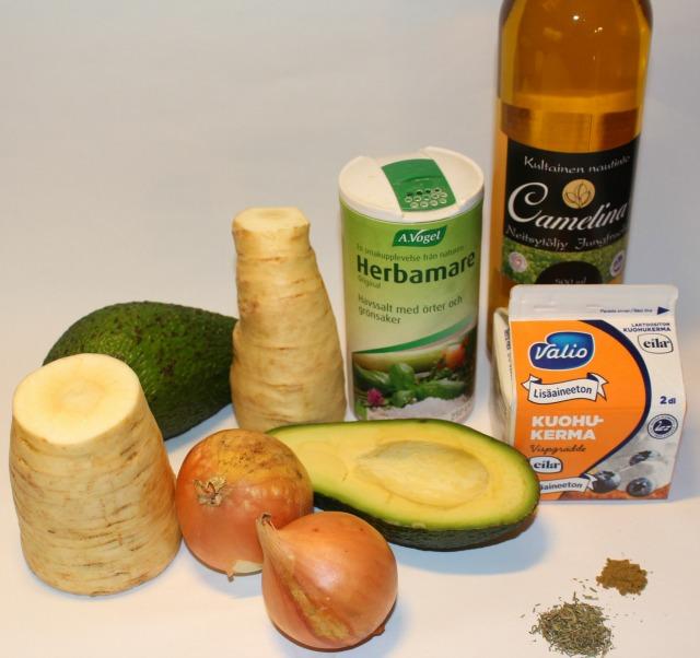 palsternakka-avocado sosekeitto