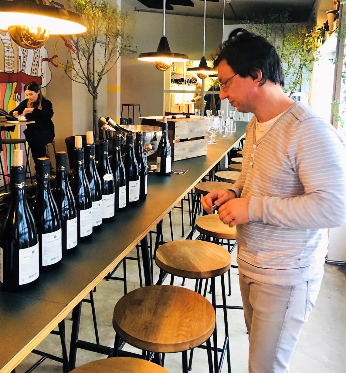 Årets burgundslipp beskrives som legendarisk og en av de største årgangene noensinne. Det varsles om kø og kaos når 2015-årgangen legges ut for salg. Her er noen av vinene jeg har smakt og link til flere omtaler. Husk, du kan alltid bestille på nett om du ikke skal ha de aller dyreste og mest populære vinene.