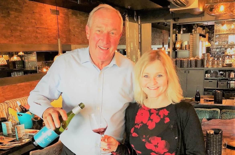 Bill Spence, grunnleggeren av Matua, har oppfylt en vindrøm - han har satt New Zealand på vinkartet med druen Sauvignon Blanc. Nylig ble én av hans viner kåret til én av verdens 100 best. Nylig intervjuet jeg Spence og smakte hans viner. Her kan du lese om hans vin og rådene hans til deg som ønsker å oppfylle din drøm.