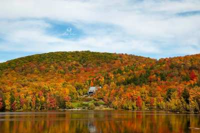 Reflet chatoyant, Lac Gale, Bromont, Qc, Canada