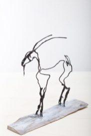 AnneKunst_Sculptur_Ziege_klein-Drahtfigur2017