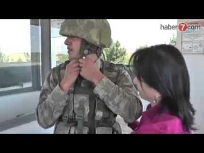 Nöbet Tutan Askere Anneler Günü Süprizi