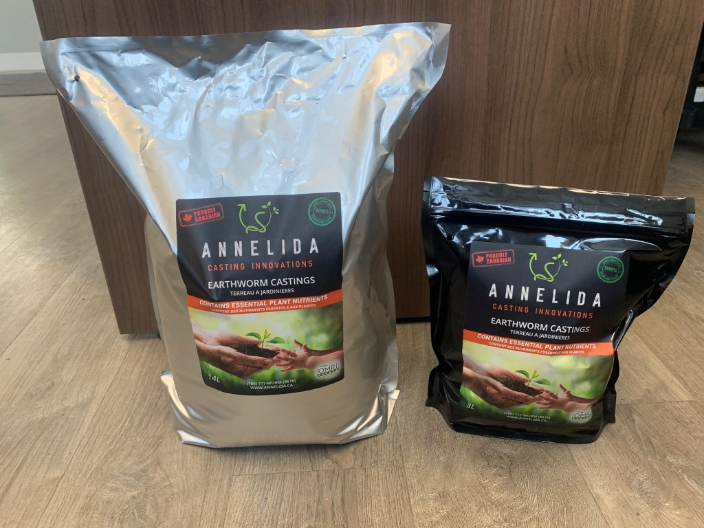 Annelida Worm Castings 14 L and 3 L bags front side
