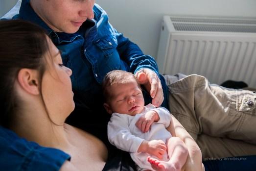 Newborn Flynn - lifestyle fotoshoot thuis