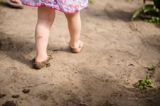 Little - fotoshoot - 2 jaar - zomers - spelen - lifestyle