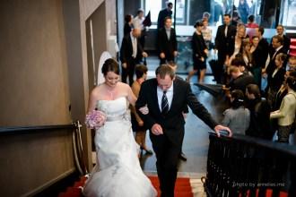 Huwelijksfotograaf Joke & Tom Oostkamp Stadhuis - Bruid & papa