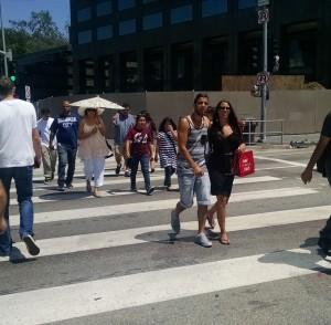 Peoplewalking