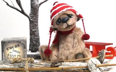 Sculpture textile, ours de collection créé par Anne-Marie Verron. Ours d'artiste, pièce unique. OOAK mohair bear by L'ours tombé des étoiles #oursdecollection #ooakbear #teddybear http://www.annemarieverron.com
