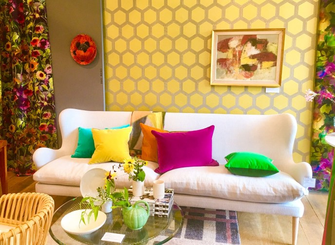 Boost Your Mood With These Uplifting Colours