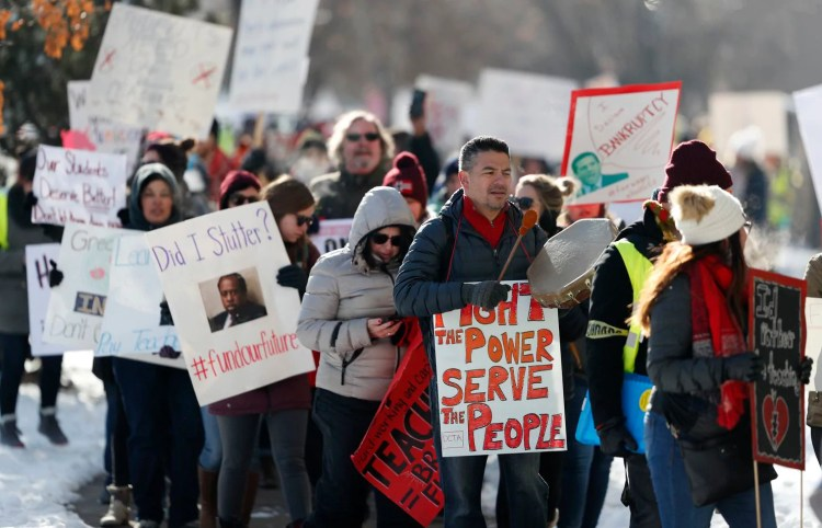Denver  teachers  strike  in  bid  to  dismantle  pay-for-performance  system –  Washington  Post