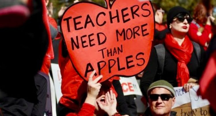 Denver  teachers  strike  difficulties  landmark  incentive  pay  scheme