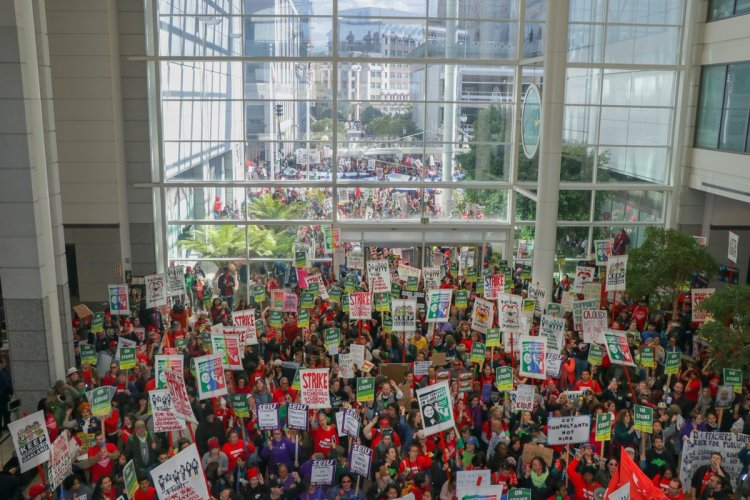 Striking  West  Virginia  teachers  won  swift  and  decisive  triumph;  Oakland  next?