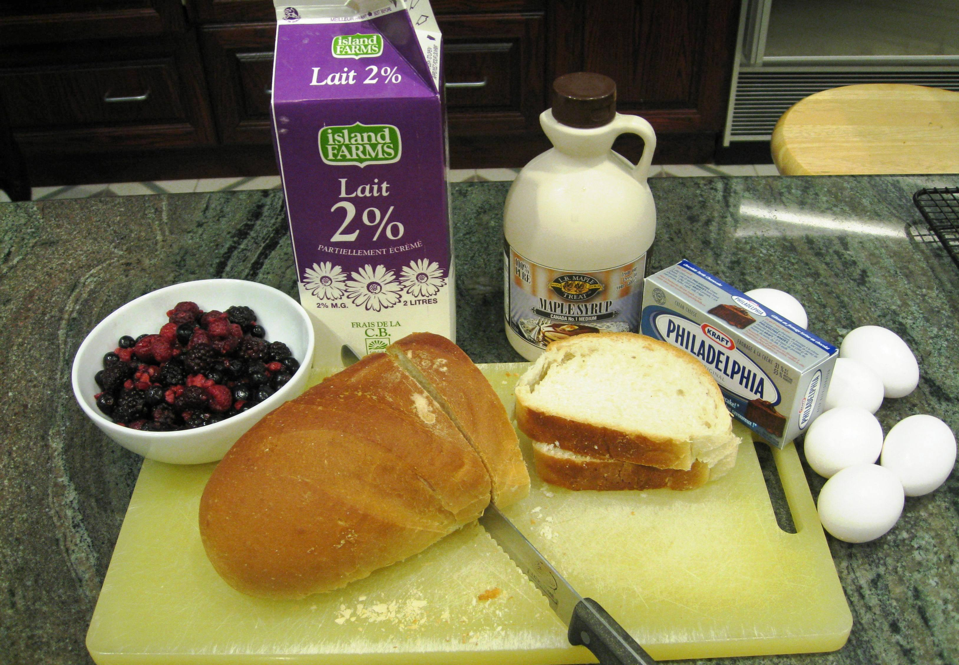 berry-french-toast-breakfast-ingredients