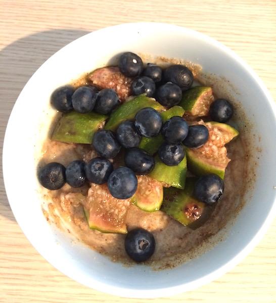 Le petit-déjeuner du jour : un Miam-ô-fruits, une recette crue, vegan et pleine de bons minéraux et vitamines !