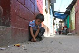 Playing marbles in El Recuerdo