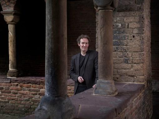 Stephan Enter Writer Auteur Van Oorschot Pastorale Roman De Wereld Draait Door Boek van de Maand