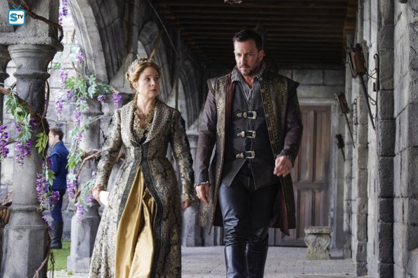 megan-follows-craig-parker-catherine-narcisse-reign