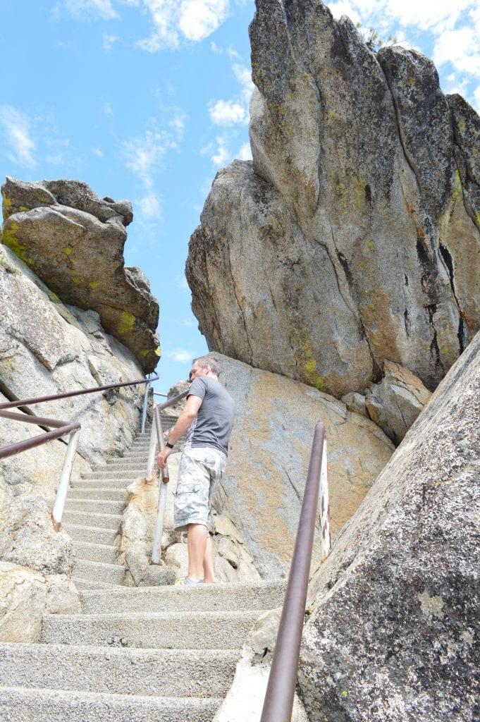 Annie Explore - Moro Rock