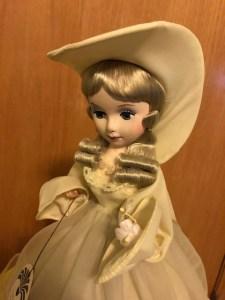 A yellow Bradley Dolls doll face