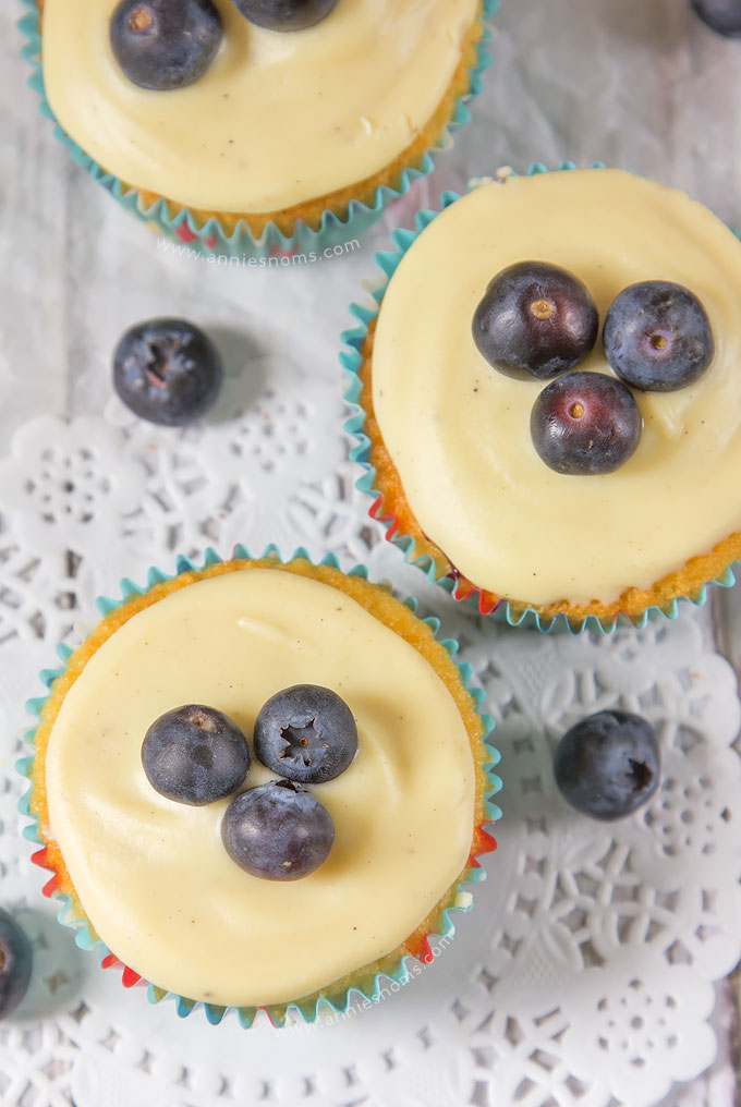 Blueberry and White Chocolate Cupcakes   Annie's Noms