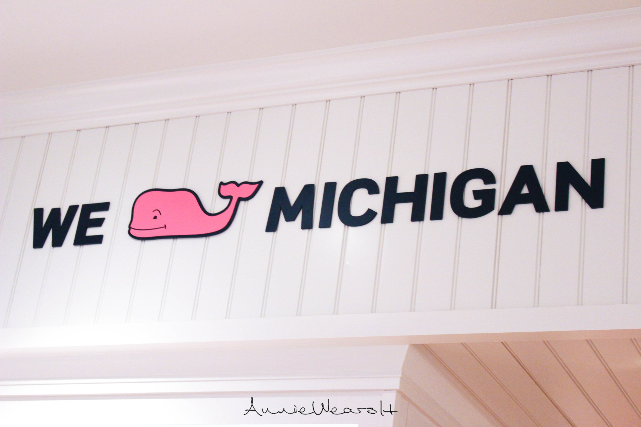 vineyard-vines-shirt-display-3