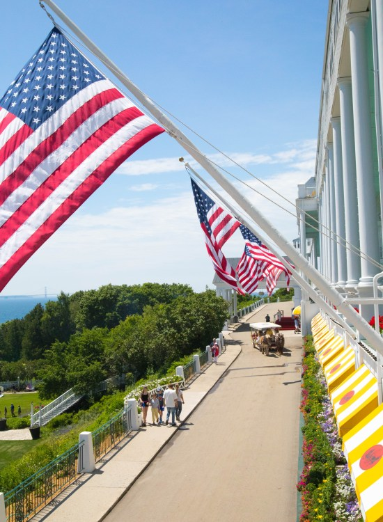 Word's Longest Porch Grand Hotel Mackinac Island Michigan inside Look Tour