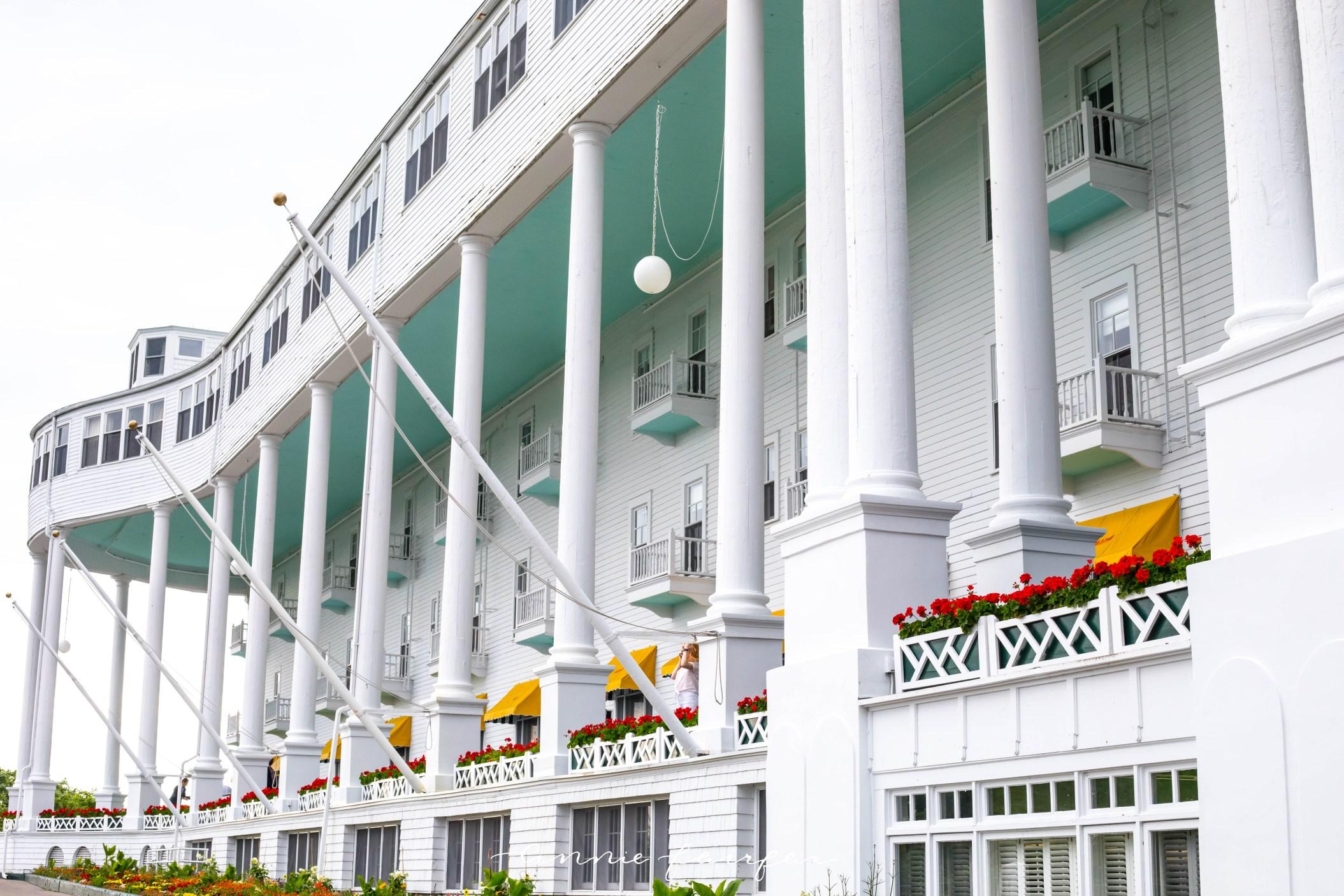 Word's Longest Porch Grand Hotel Mackinac Island Michigan inside Look Tour