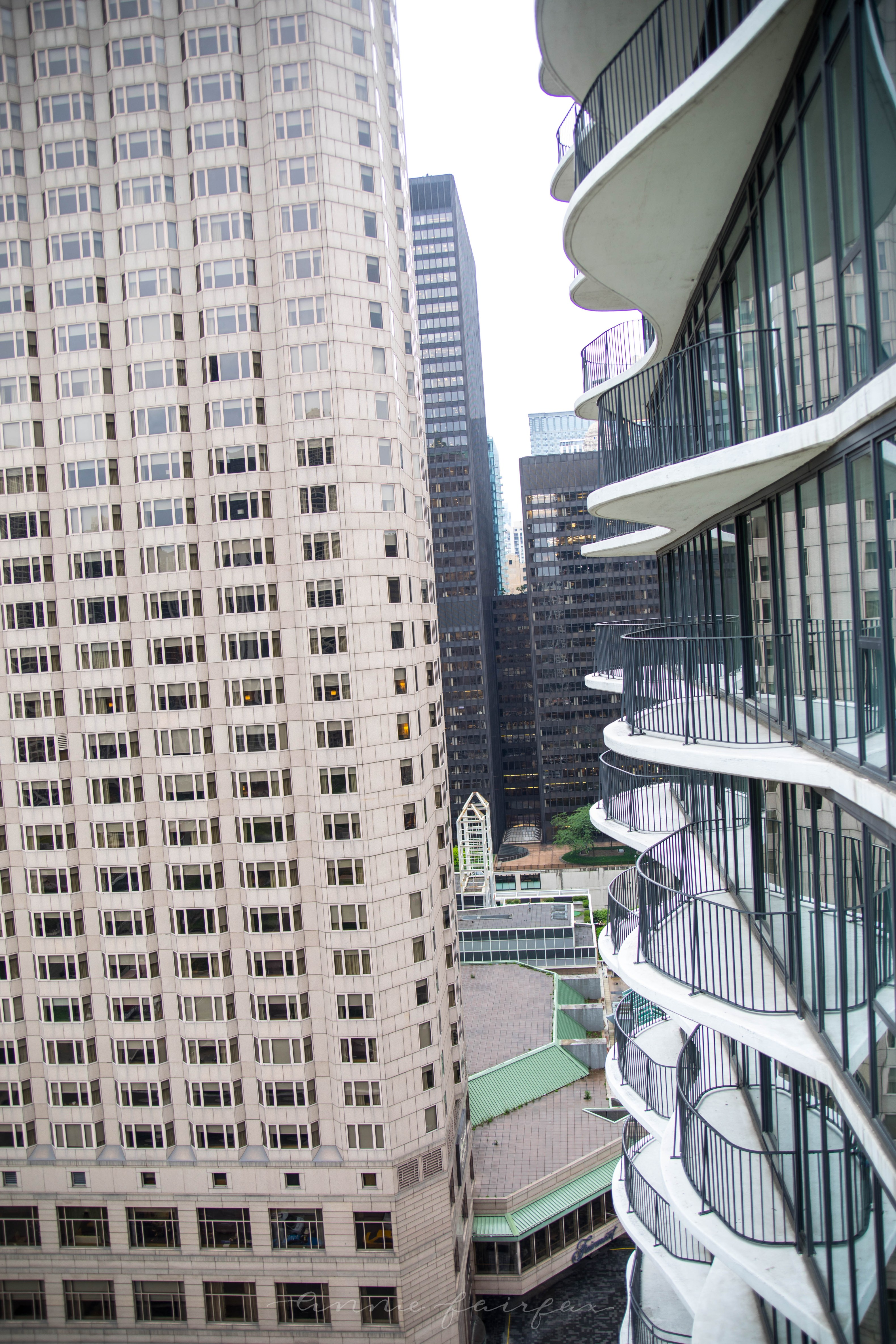 The Complete Traveler's Guide to Chicago, IL Radisson Blu Aqua Chicago