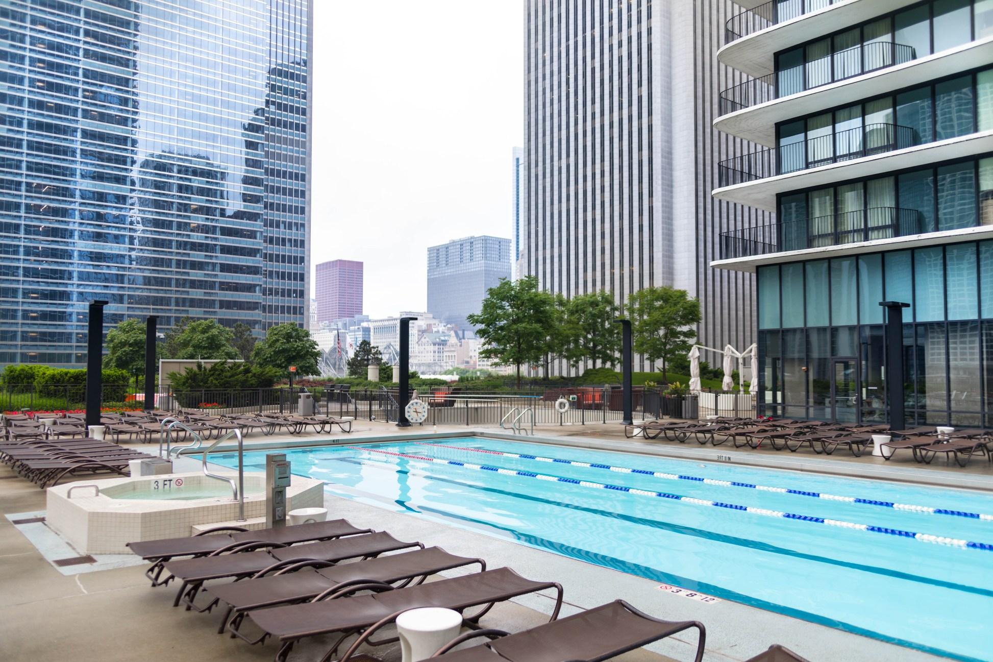 The Complete Traveler's Guide to Chicago, IL Radisson Blu Aqua Chicago