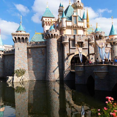 Disneyland The Ultimate Travel Guide by Annie Fairfax Disneyland Travel Tips Advice