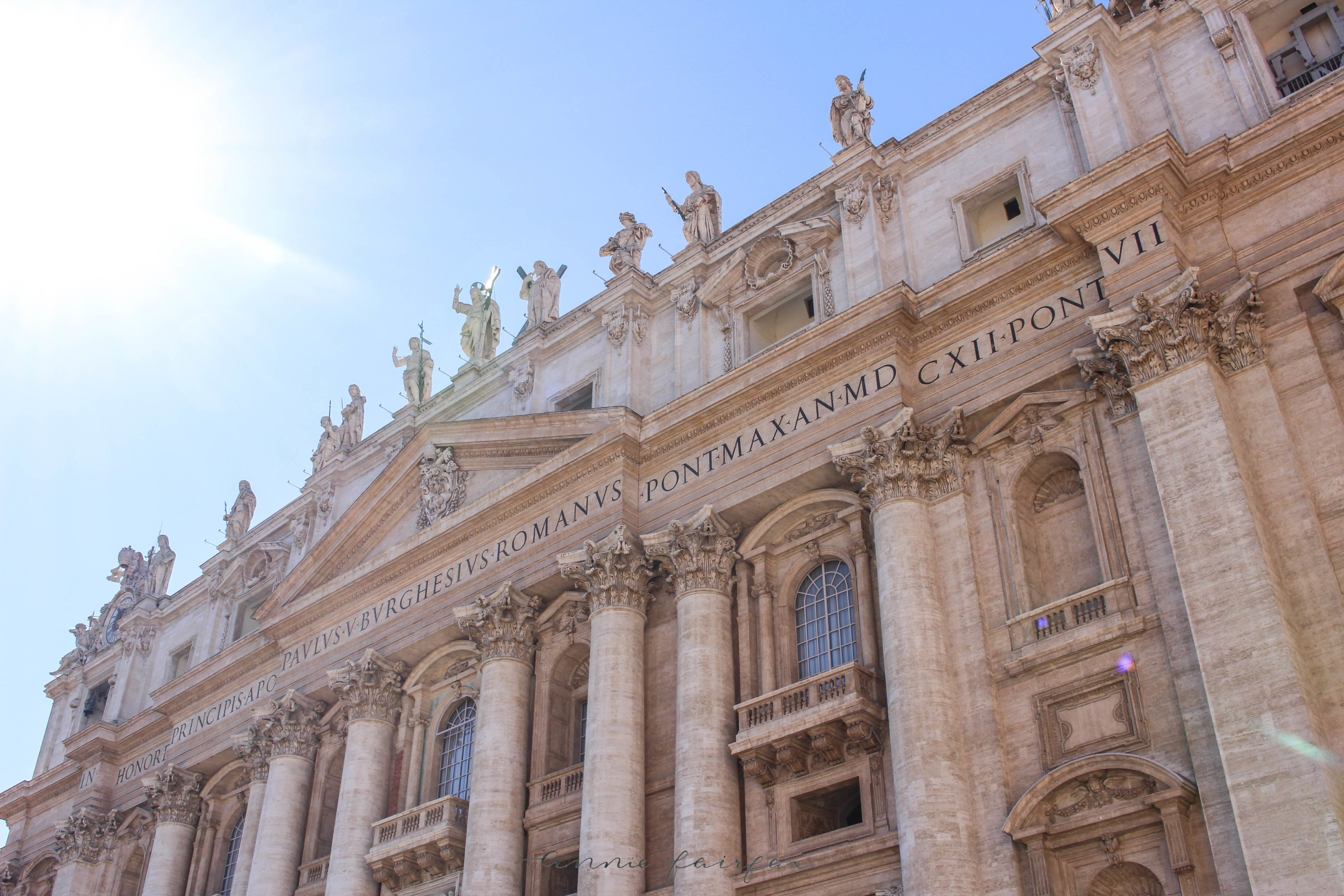 St. Peter's Square, Vatican City, Rome: : The Complete Traveler's Guide