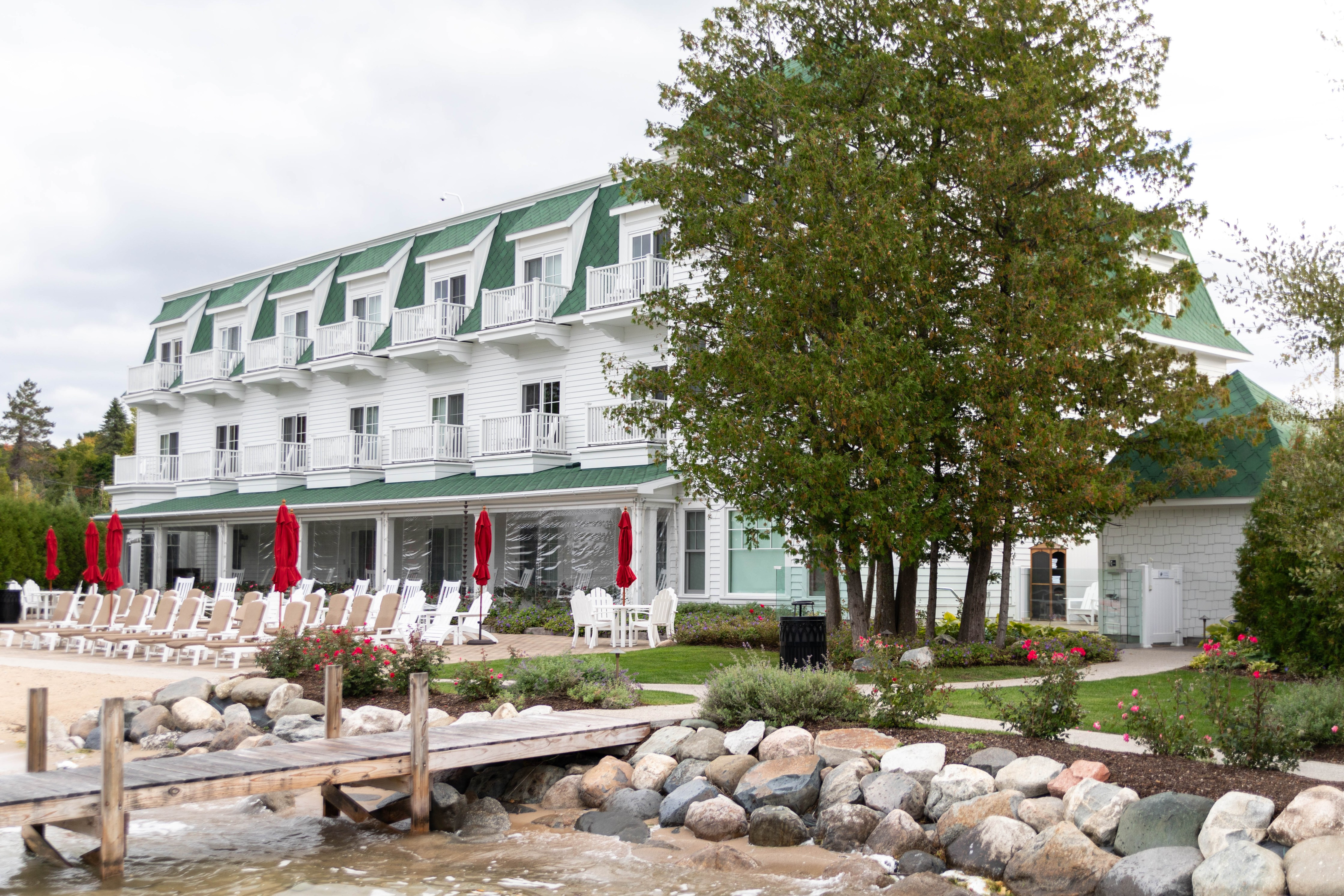 Luxury Hotels of the World: Hotel Walloon Walloon Lake, Michigan