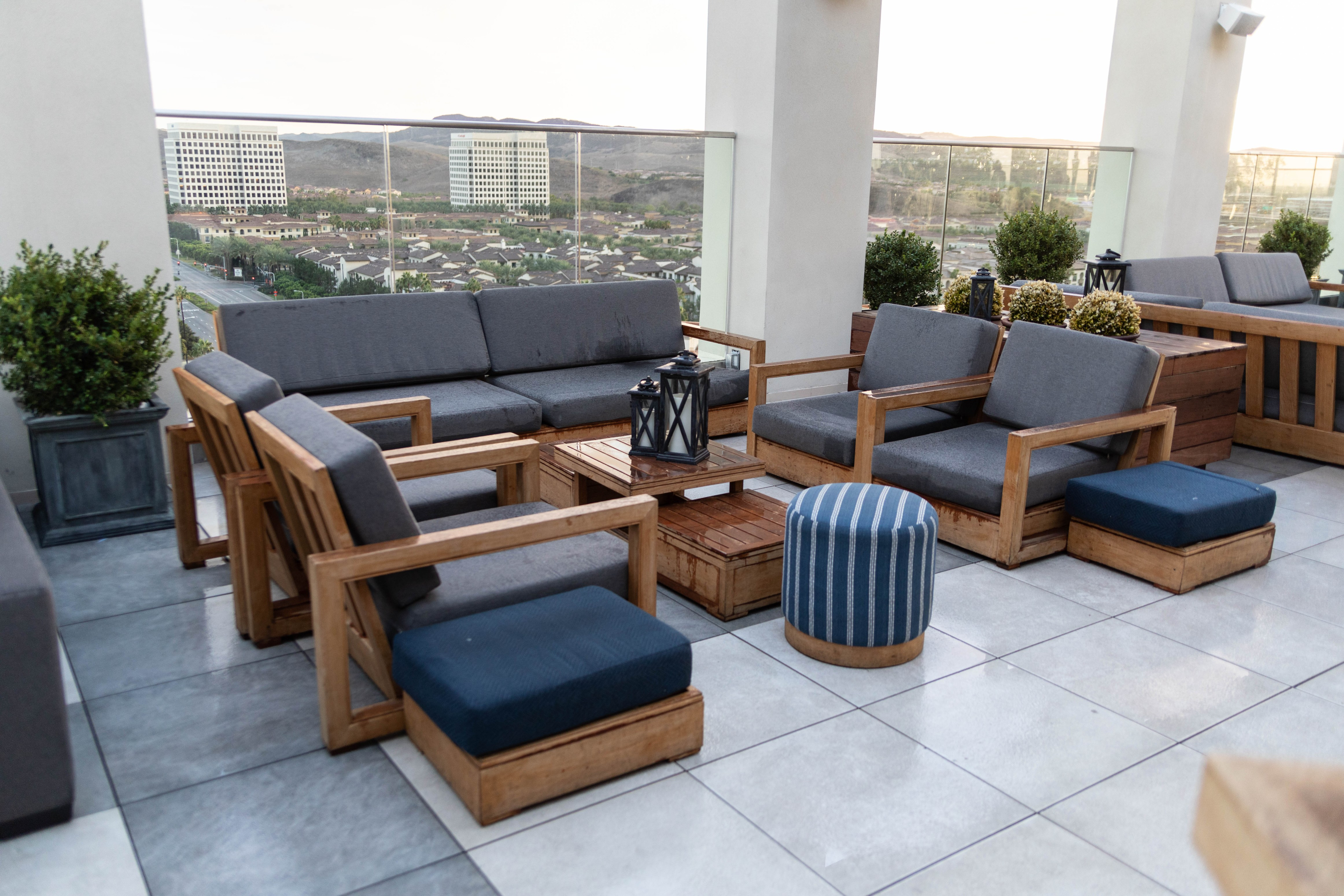 Luxury Hotels of the World: Irvine Spectrum Complete Review with Photos Rooftop Bar