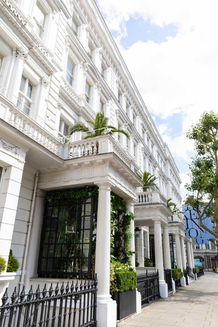 Luxury Hotels of the World: The Kensington Hotel London