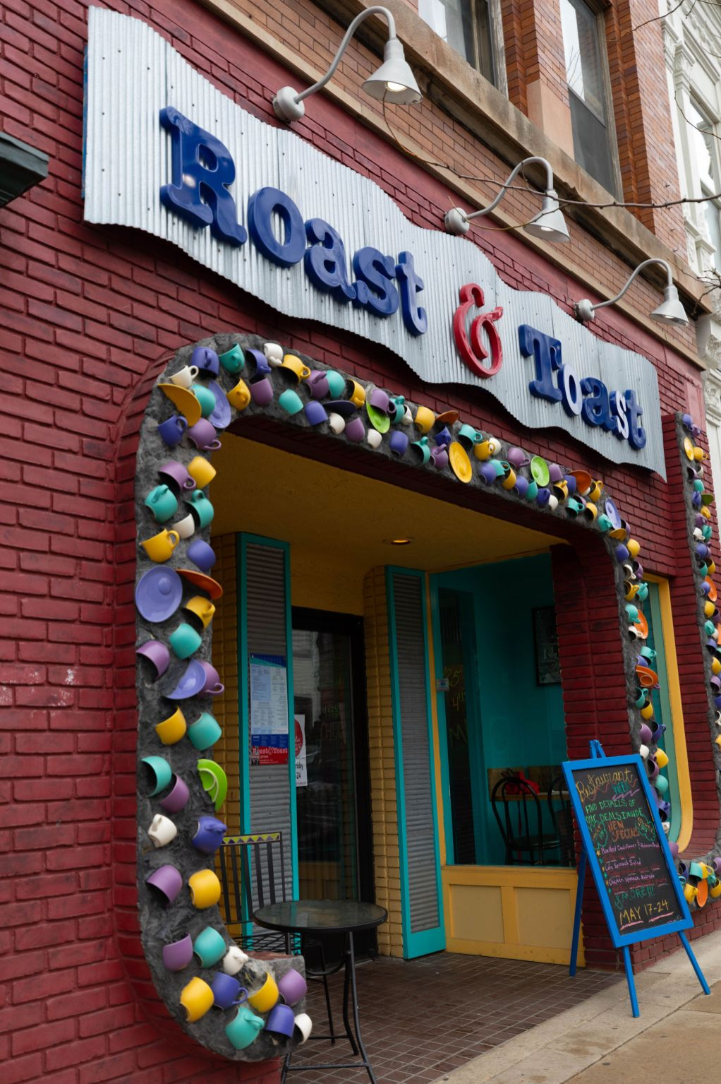 Roast & Toast Café in Petoskey Michigan Official Travel Guide Home of Million Dollar Sunsets Researched, Photographed and Written by Annie Fairfax