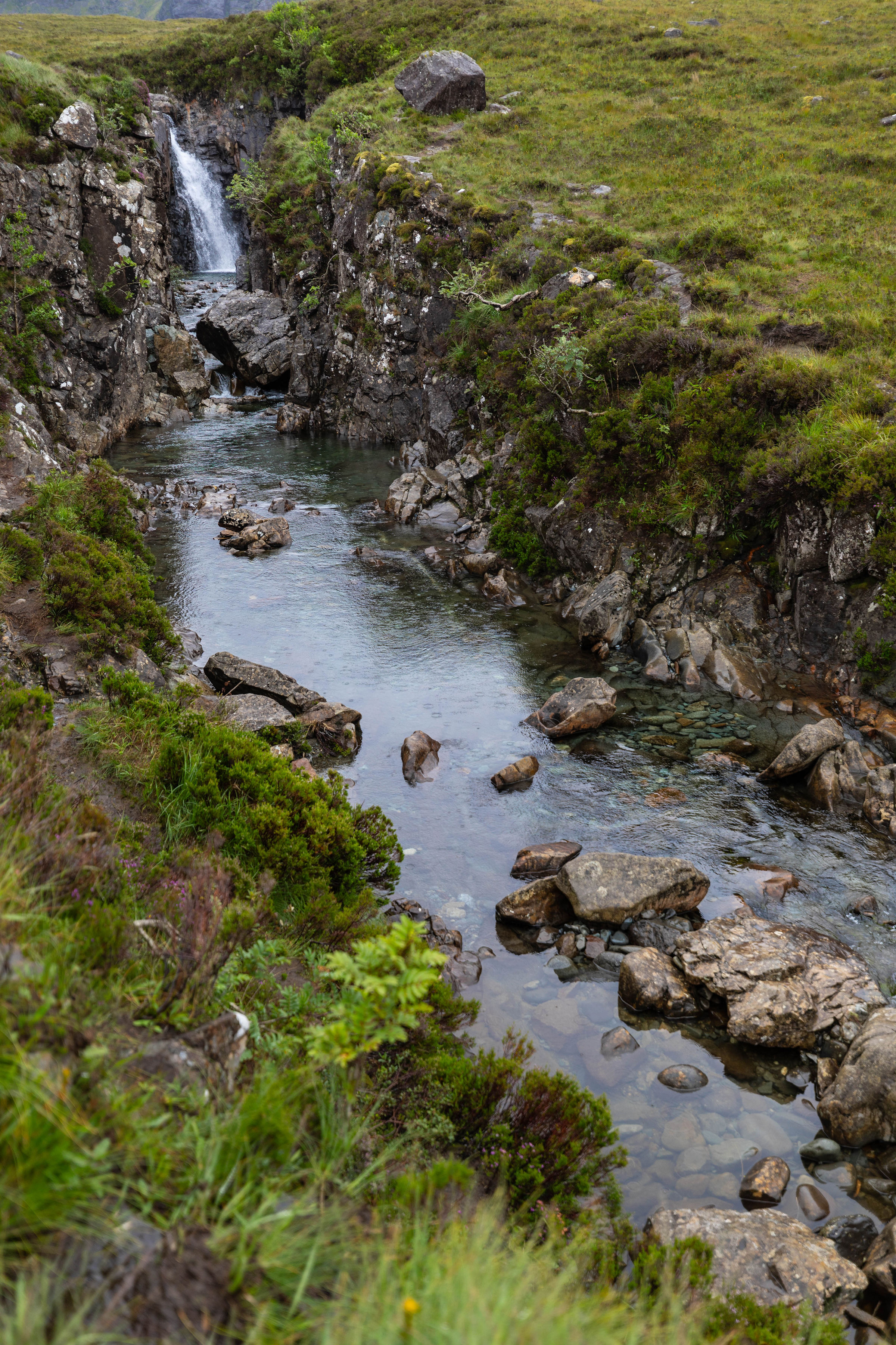 Our Fifth Wedding Anniversary and Vow Renewal, Hiking & Swimming in the Fairy Pools on Isle of Skye in Scotland, United Kingdom How to Get There, What to Bring
