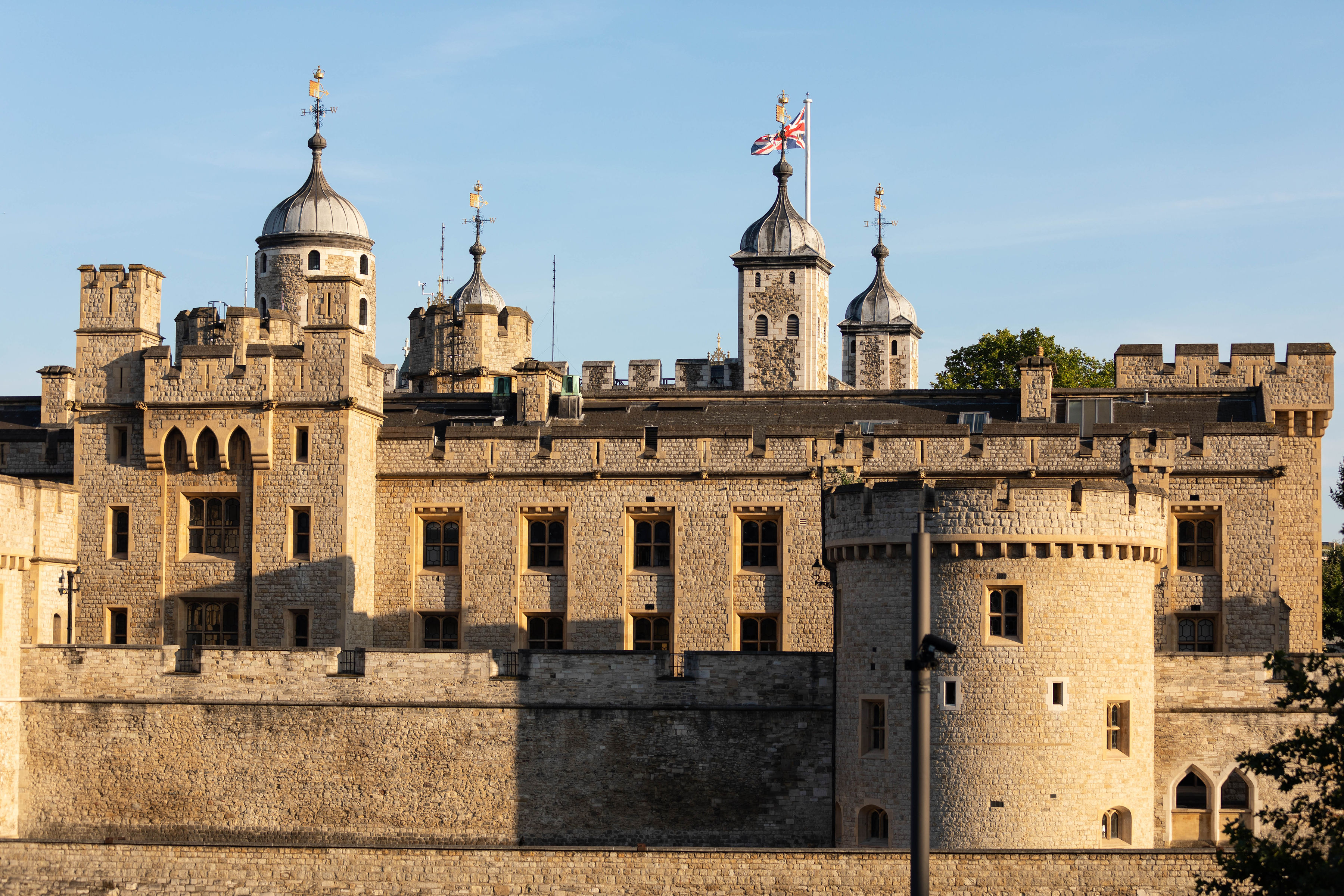 The Tower of London London City Guide the Official Travel Guide of London, England